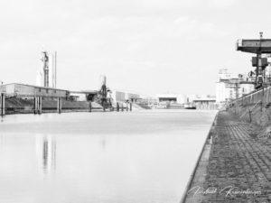 Hanau Hafen Black White